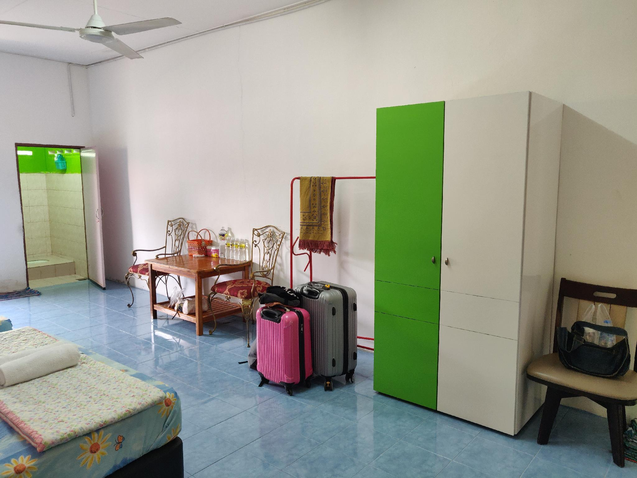 Roomstay Firdaus   FREE WiFi   Near To The Border