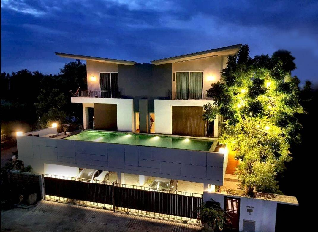 Pool Villa @ Donmaung 2Beds  1Kingand1Queen