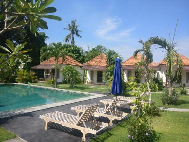 Luxury bungalow cabin with shared pool  in Canggu