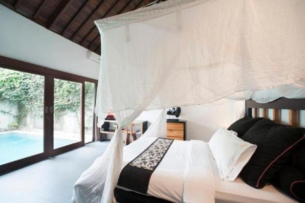 Seminyak One Bedroom Private Pool Villa Bambo
