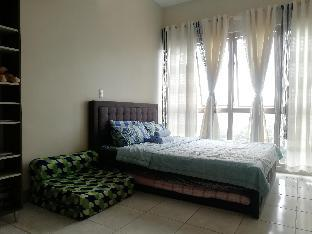 picture 4 of Convenient, Spacious Condo in Matalino St. Diliman