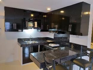 picture 5 of Cool, Sleek, Modern Designed Apartment.