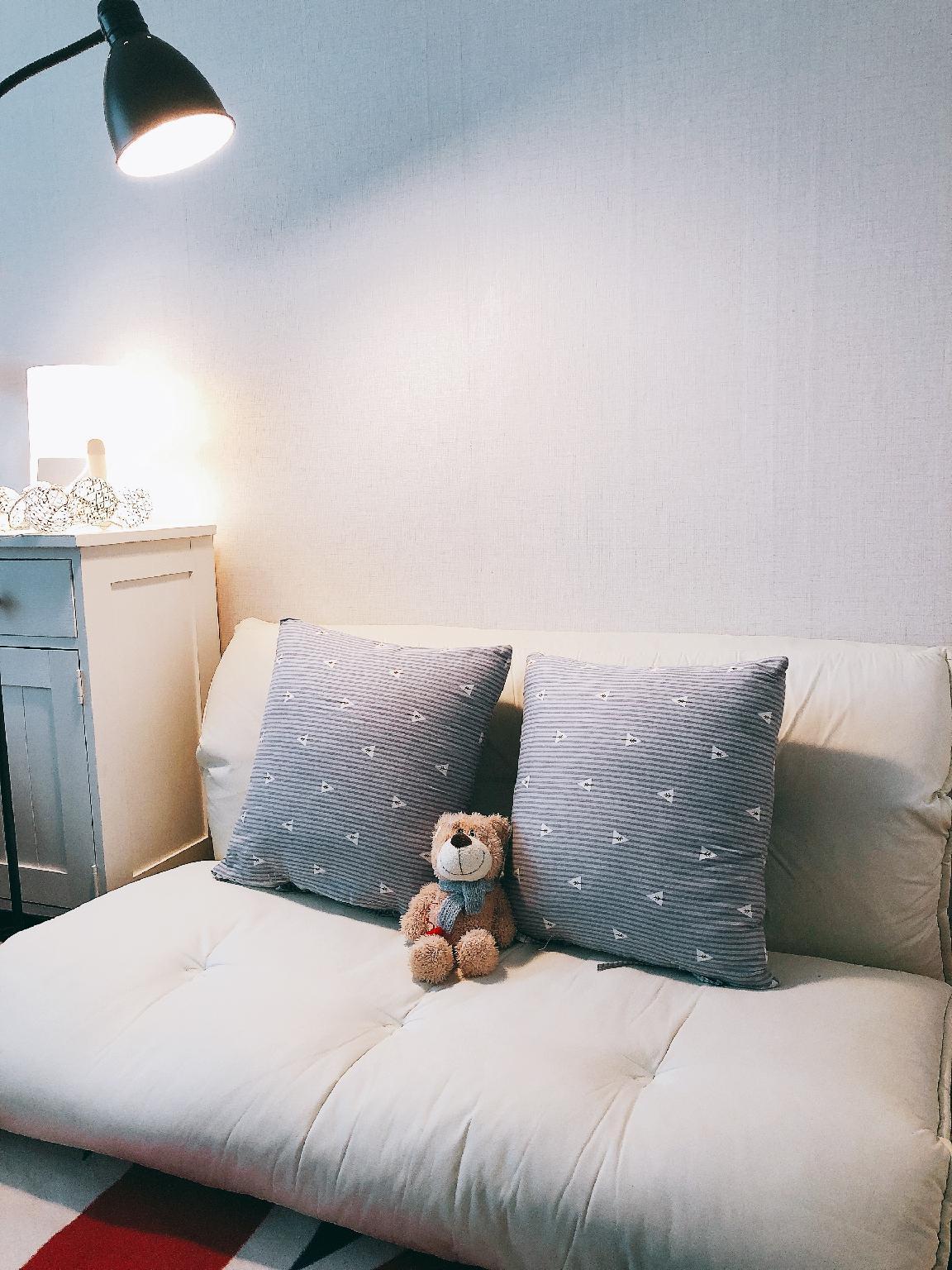 &    White&Warm Room Near Hongdae