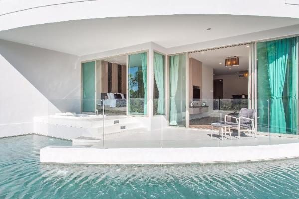 Pool Access 2 bedroom at karon 109  Phuket