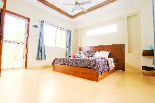 picture 1 of Frank&Bonnie Apartment-35m² 1Bed-200mBeach-Panglao