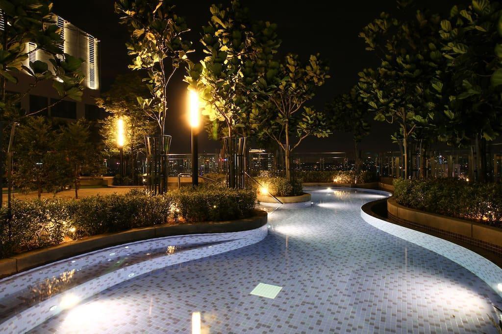 The Roberston 1R1B Bukit Bintang KL@W2