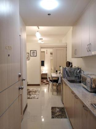 picture 2 of Stylish and Modern Suite Near SM Sucat and NAIA