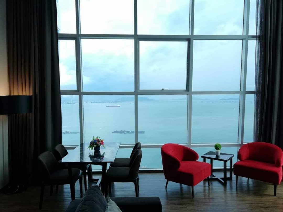 Summertime Maritime Luxury Seaview Suite VII