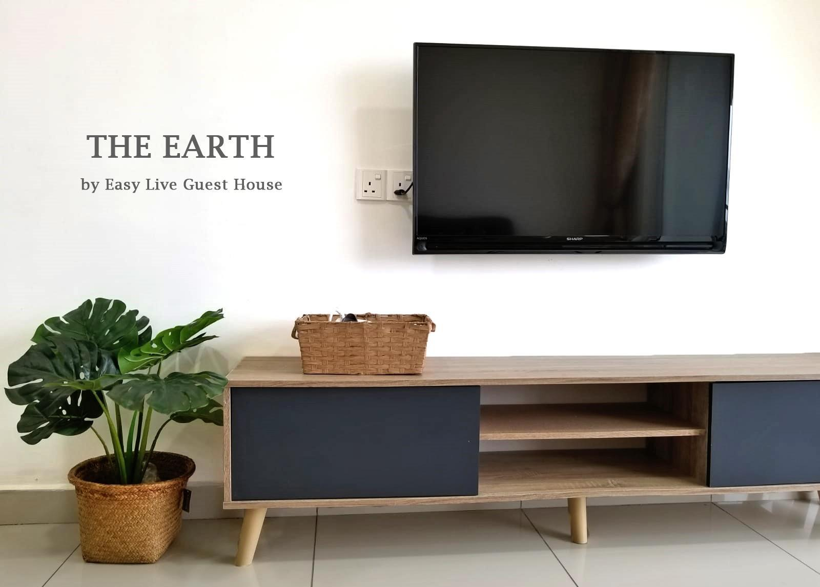 THE EARTH @ The Majestic By Easy Live Guest House
