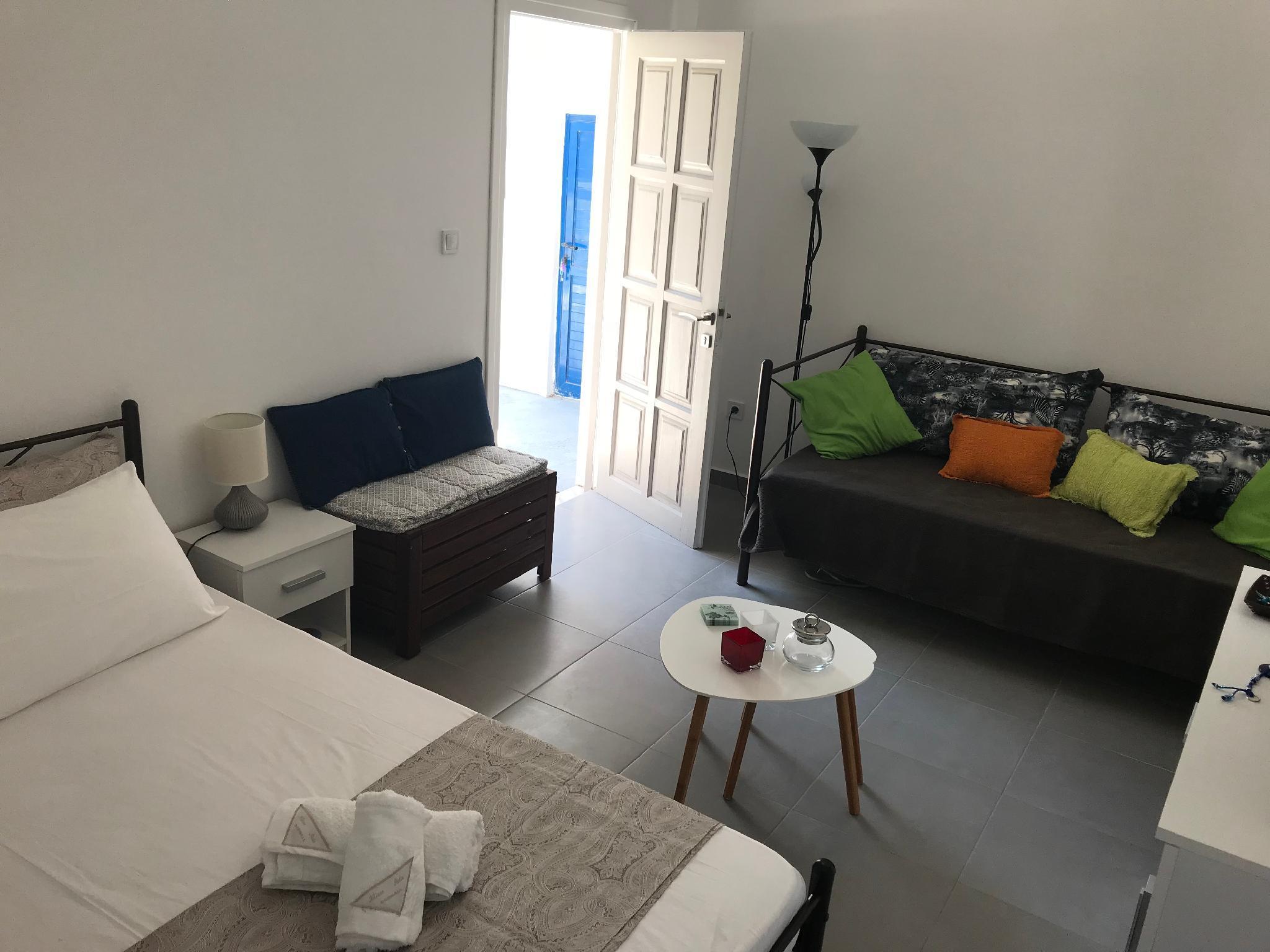 Kamara Studio In Naousa Paros