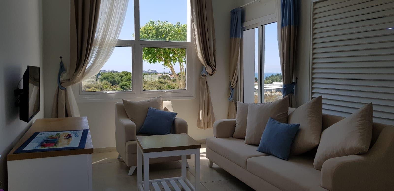 Bright & Comfy Apartment Near Escape Beach