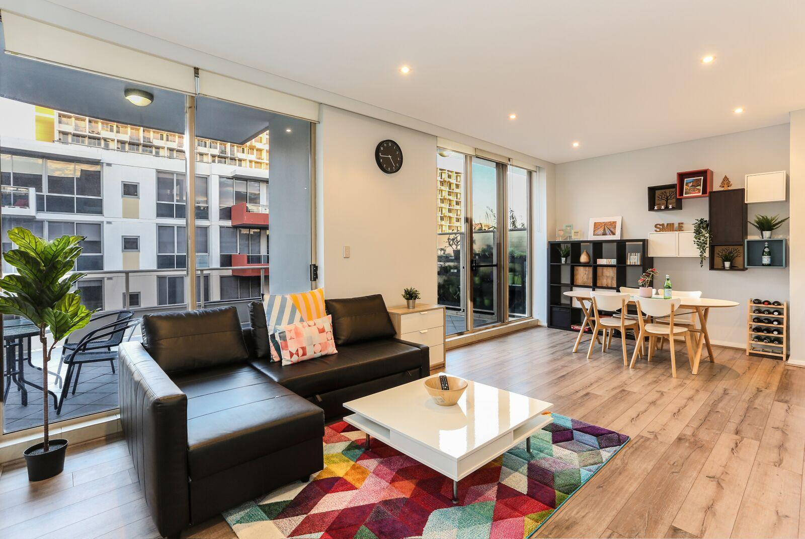Beautiful Home 2beds Apt @Waterloo   Close To CBD