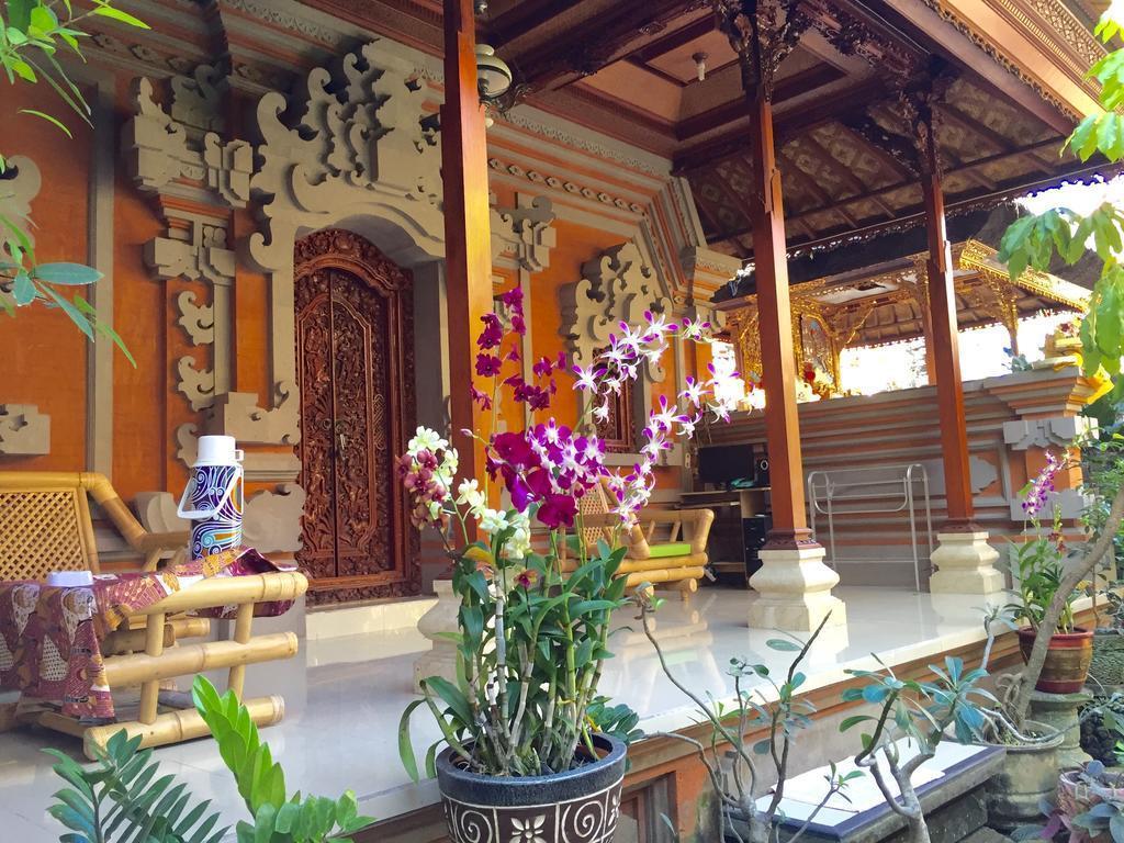 **Cozy Rooms With Balinese Garden Near Ubud Market