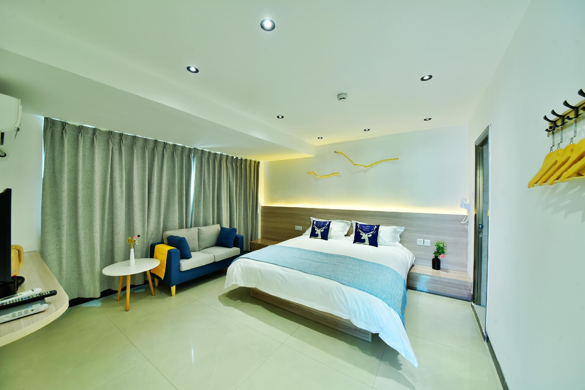 Large Bed Design Near Xiamen University