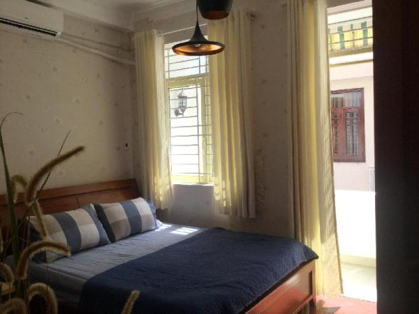 Queen room balcony 2(Pineapple House) Ho Chi Minh City