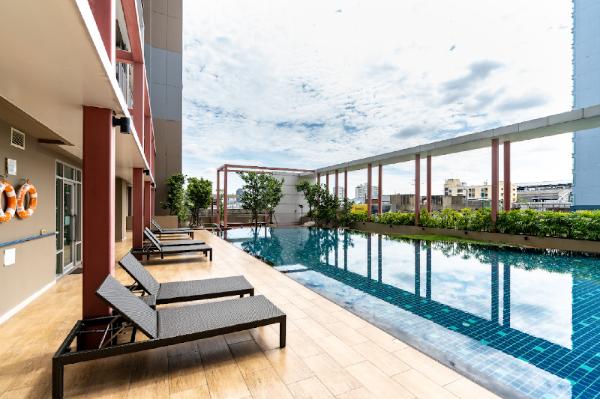 JJ market near MTR tao poonSwimming pool apartment Bangkok