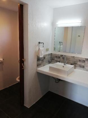picture 3 of superior room calm, confortable, good location 34