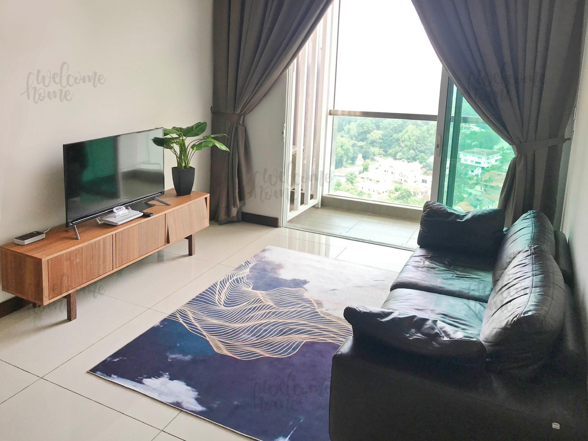 3 Bedroom High Floor Scenic Condo Unit       WIFI