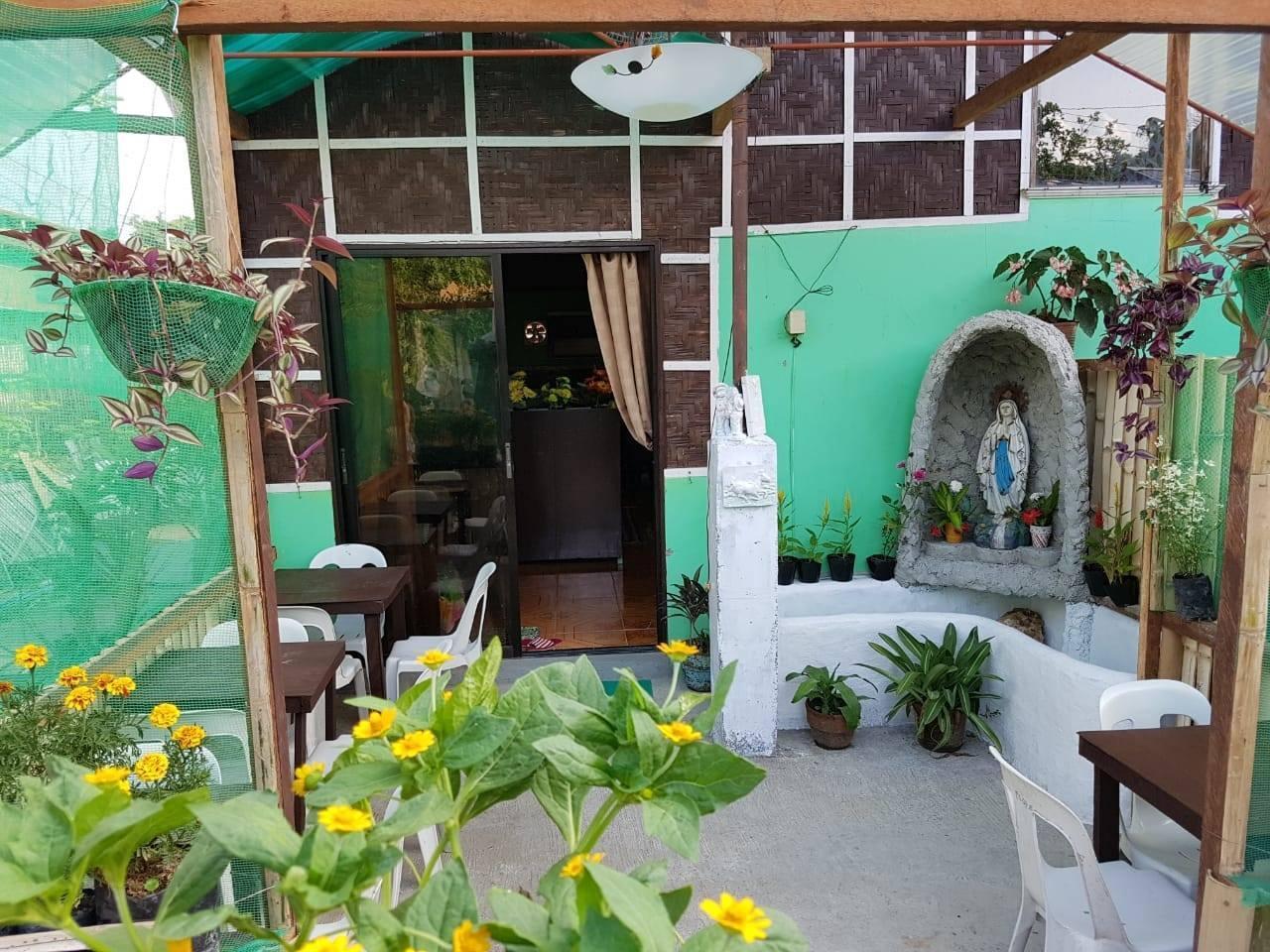 Balai Flordeliza Guest House   Rose