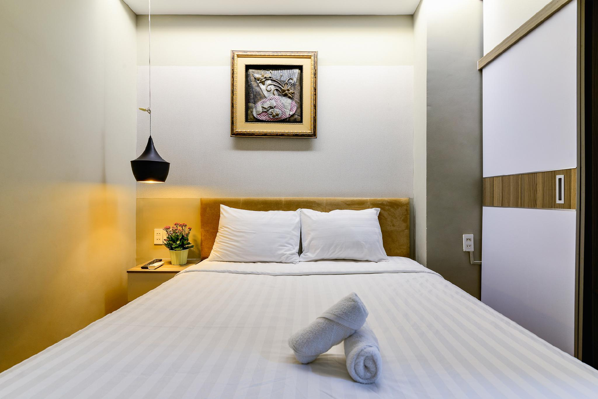 Budget Standard Double Bed   CityCenter   9 House