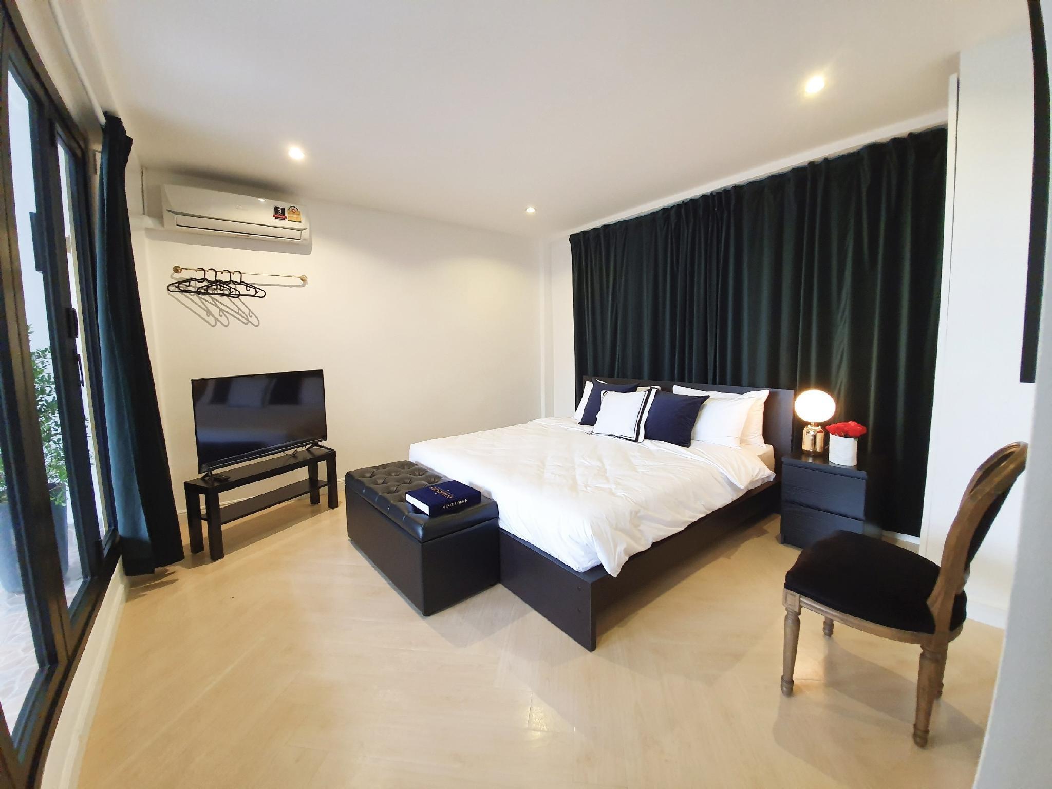 Boutique Rooftop Suite In Pratunam  City Center