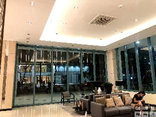 picture 4 of One uptown residence BGC Gotophi  5Star hotel 007
