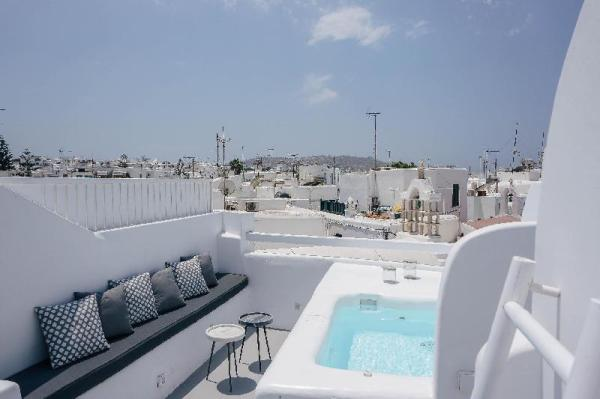 Roofs of Chora, Town House with Rooftop Pool Mykonos