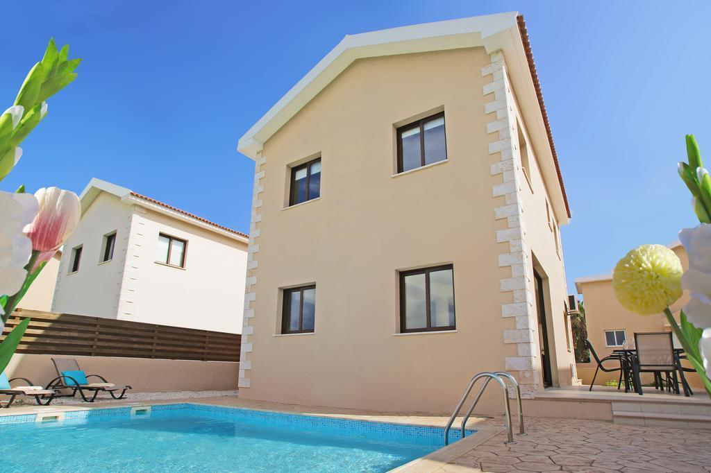 Luxury Pool Villa Ekaterina