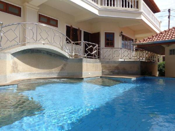 Two-bedroom apartment with shared pool Phuket