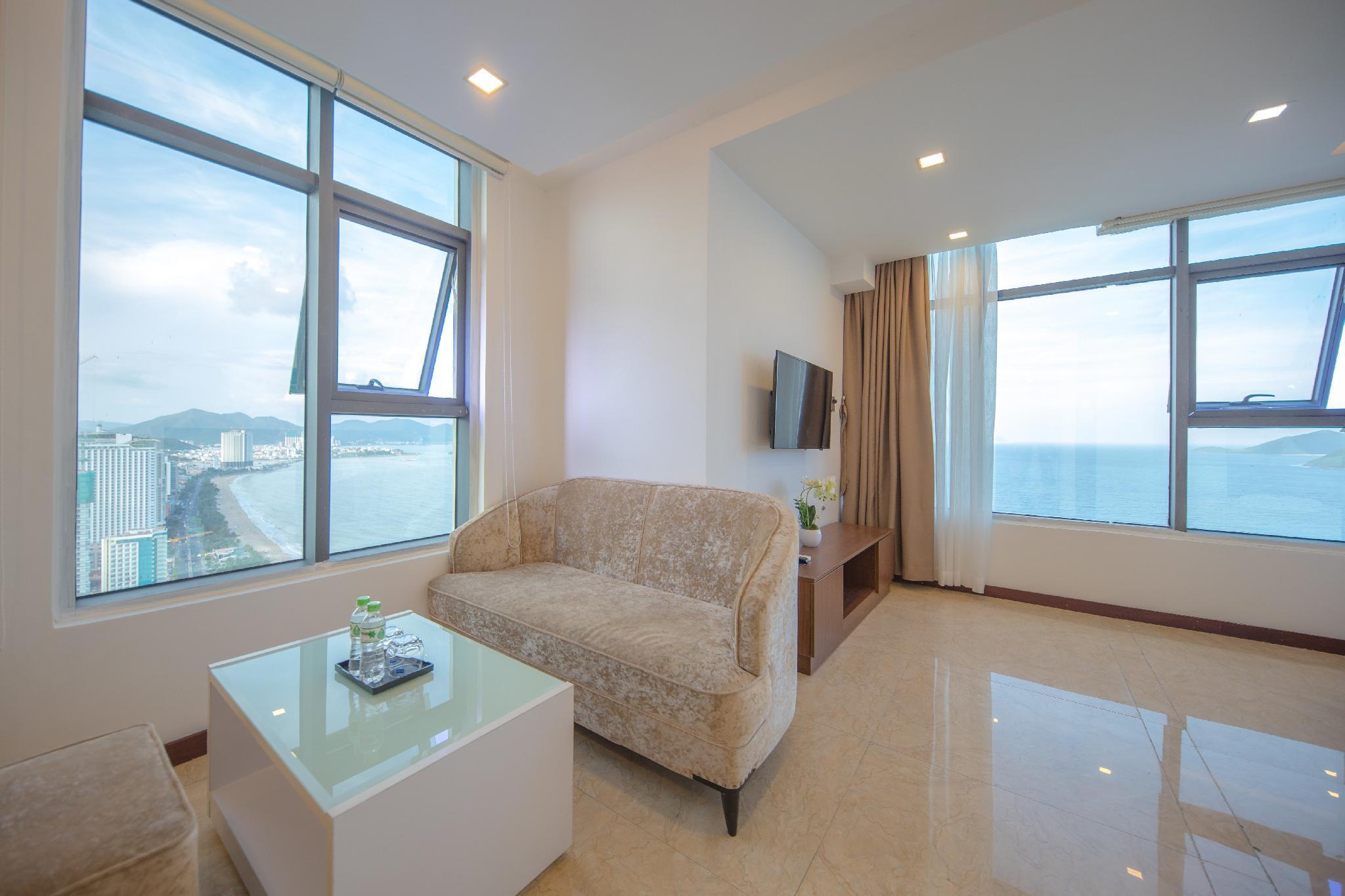 The SUN Expansive Sea View Grand Studio By Beach