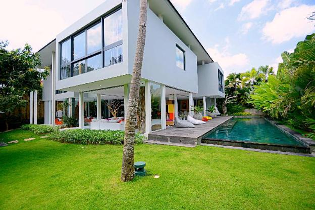 4 Bedroom Mansion + Private Pool in Berawa, Canggu