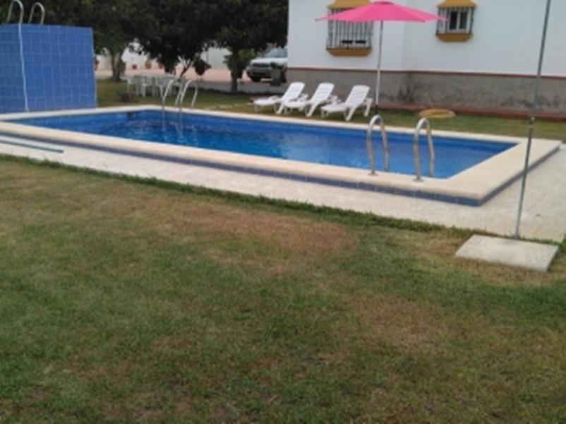 Chalet Con Piscina Privada Cerca Playa Barrosa