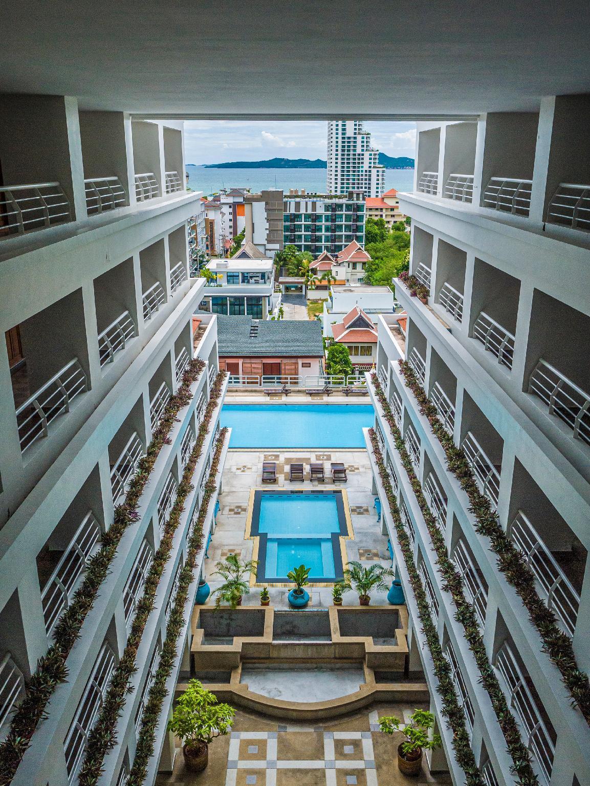 Pattaya Hill Resort By ABG