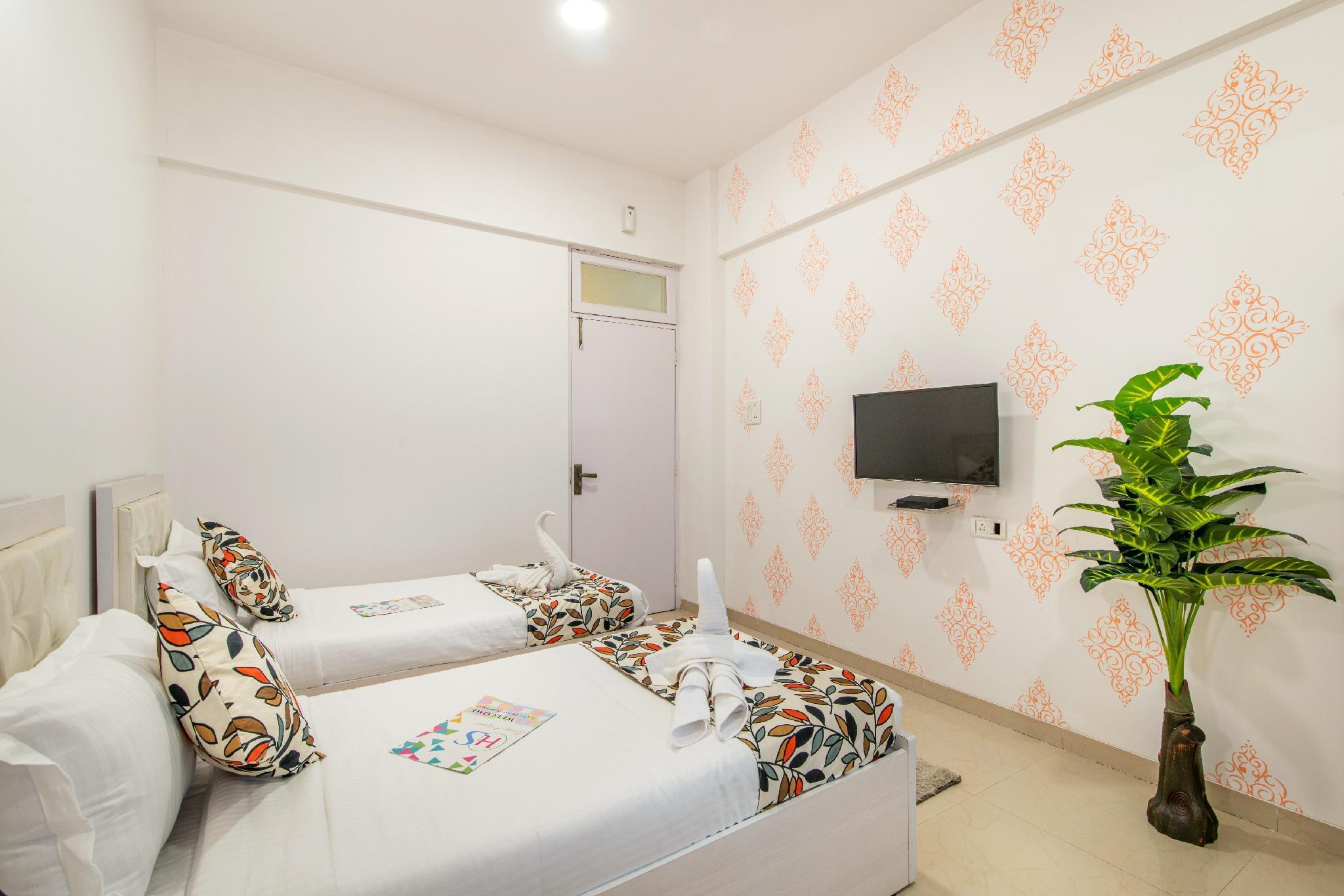 Airy 2 Bedrooms Near Bandra Kurla Complex
