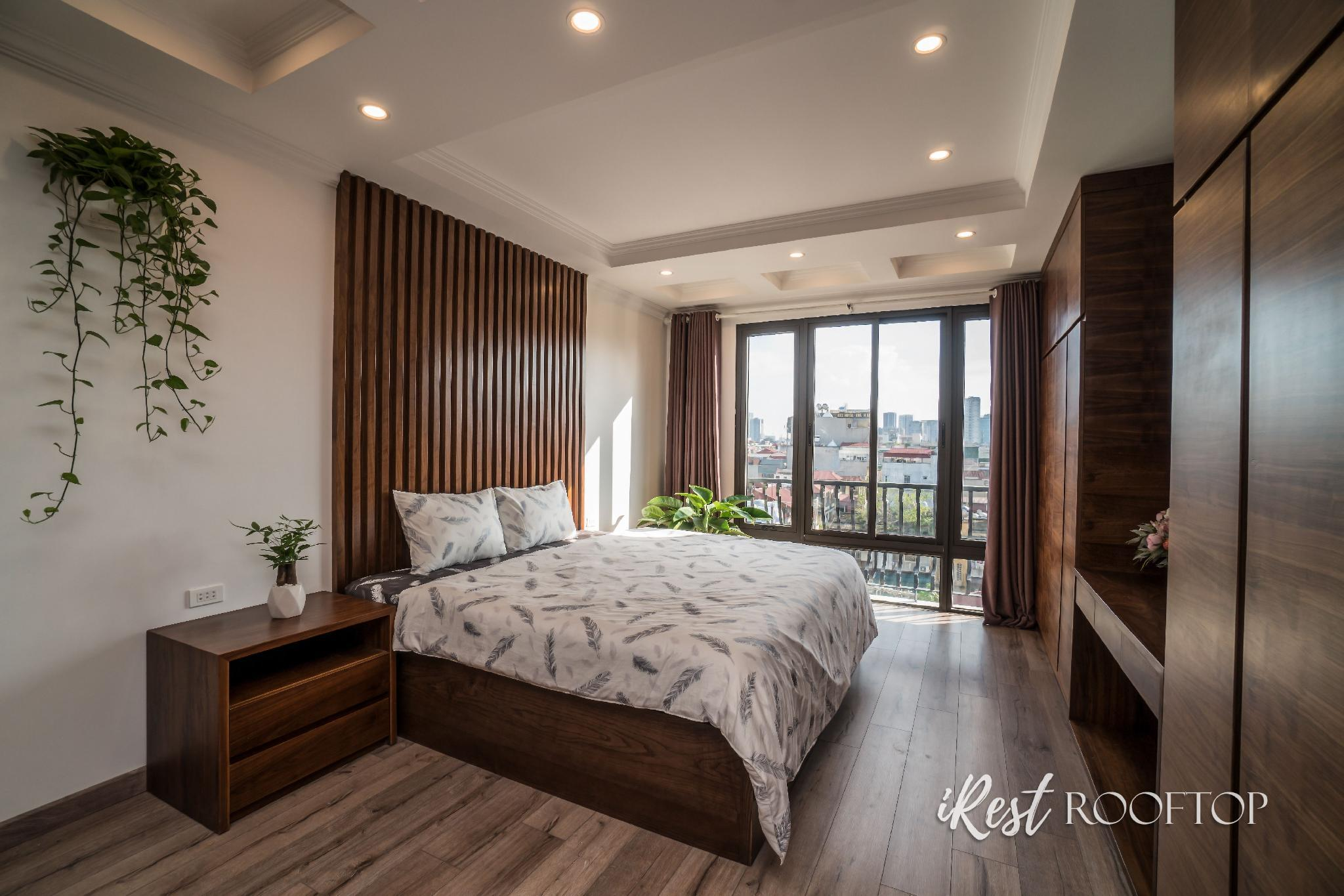IREST ROOFTOP   5BR With Big Terrace And Livingroom