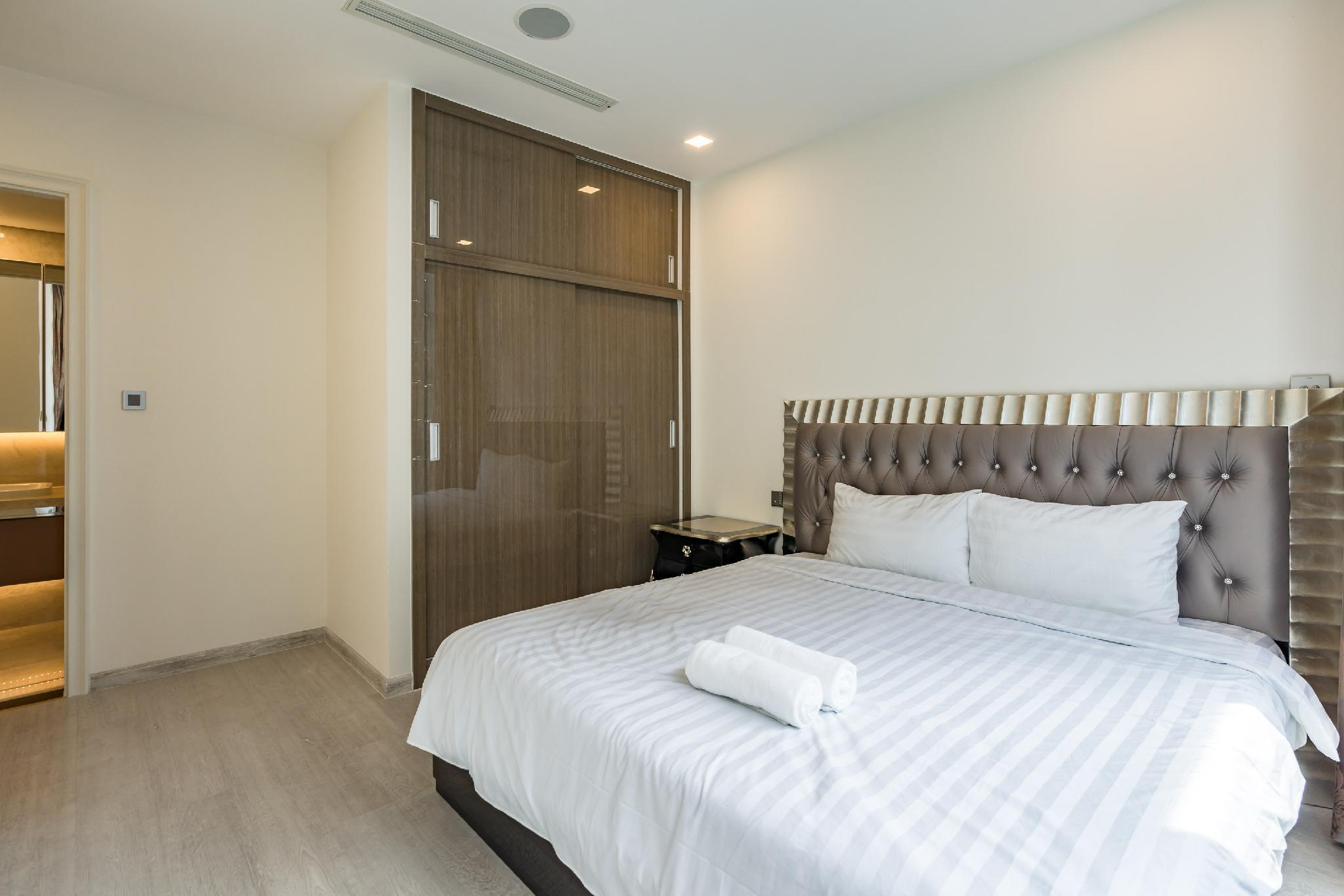 Vinhomes Golden River   2BedRs + Cozy + High Floor