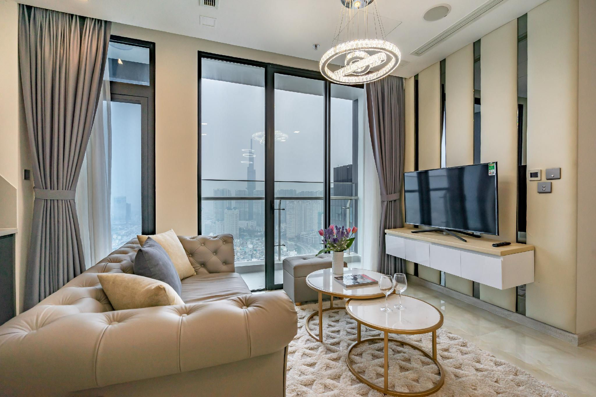 2 LUXURY BEDRS SUITES W VIEWS In Central District