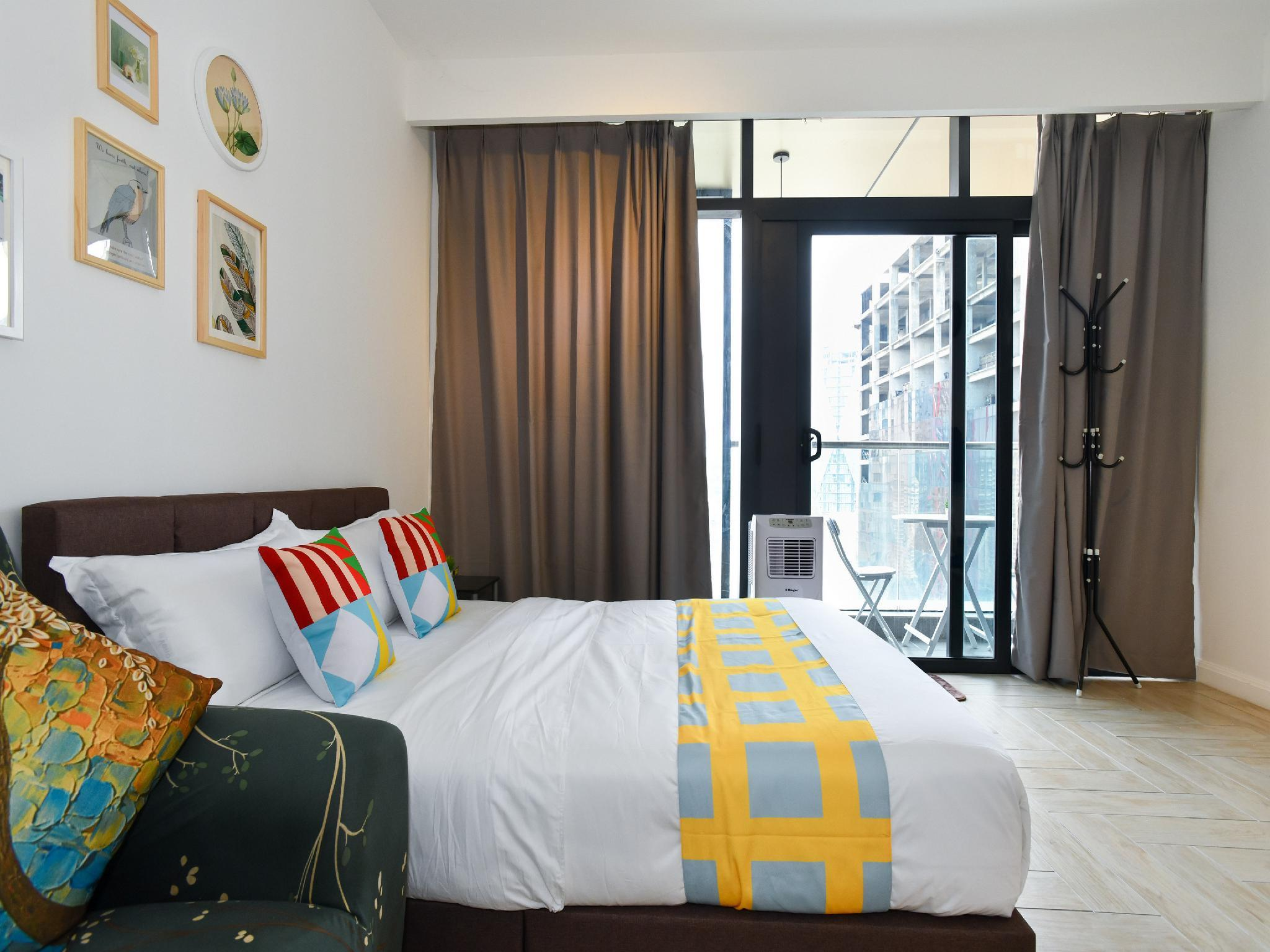 OYO Home 1050 Exclusive 1BR Empire City Marriot