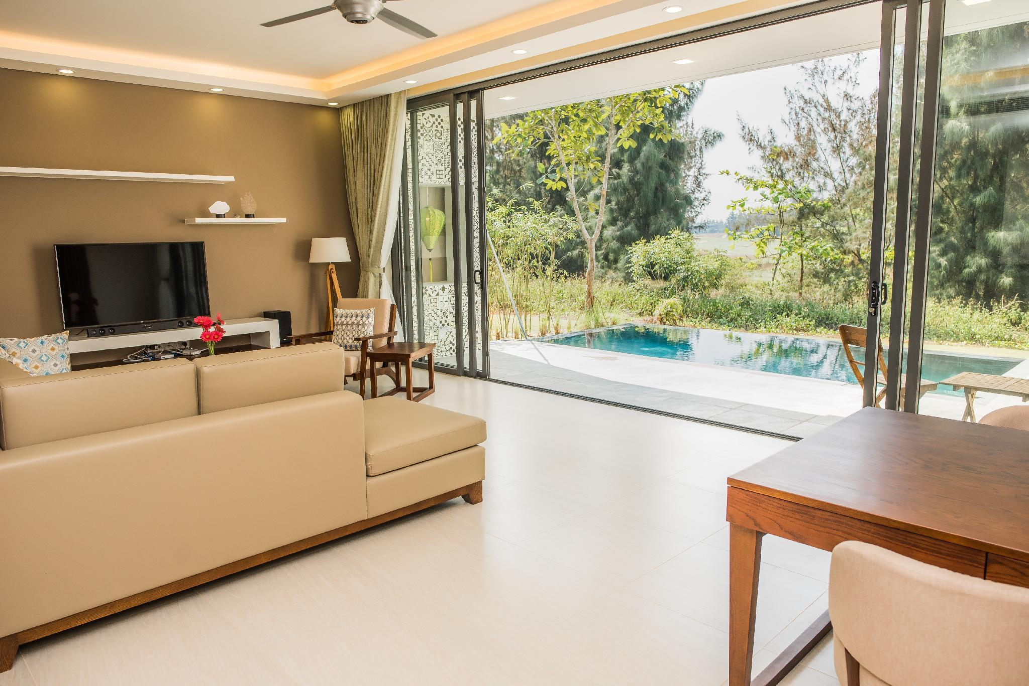 New 4BR Luxury Villa With Extra Features The Point
