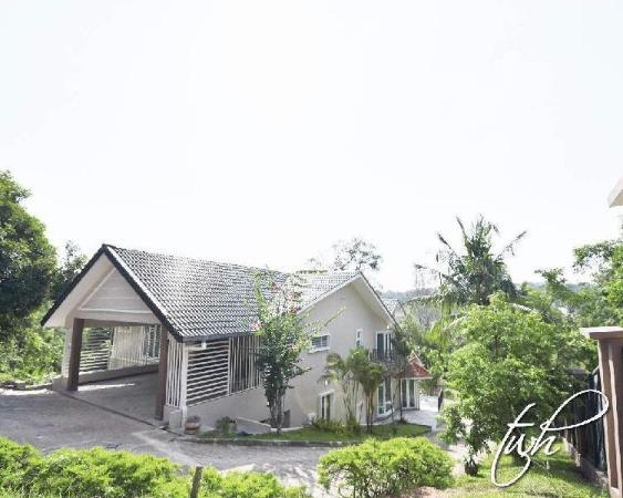 La Putra Villa Garden (Bungalow on 2 Acre Garden) Kuala Lumpur