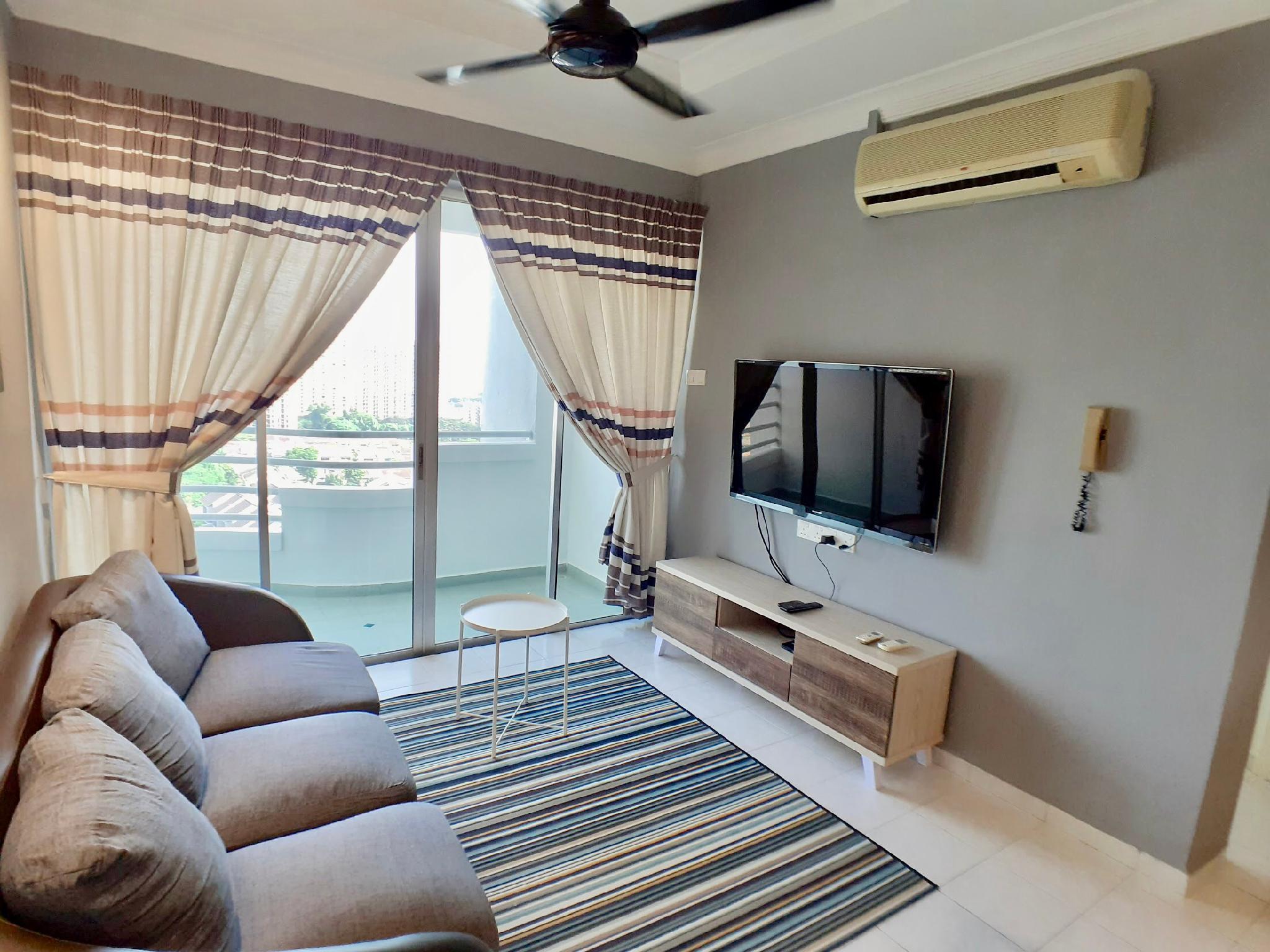 Comfy 3 Bedrooms W  Balcony 5 Min To USMandQueensbay