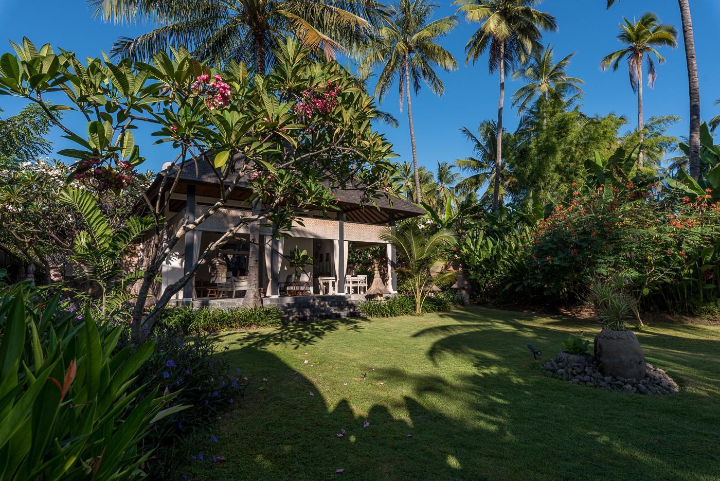 The Beach Villa   Amazing Beachfront Unique Villa