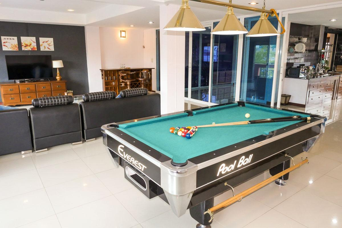 3BR Home   City Center   Ping Pong And Pool Table
