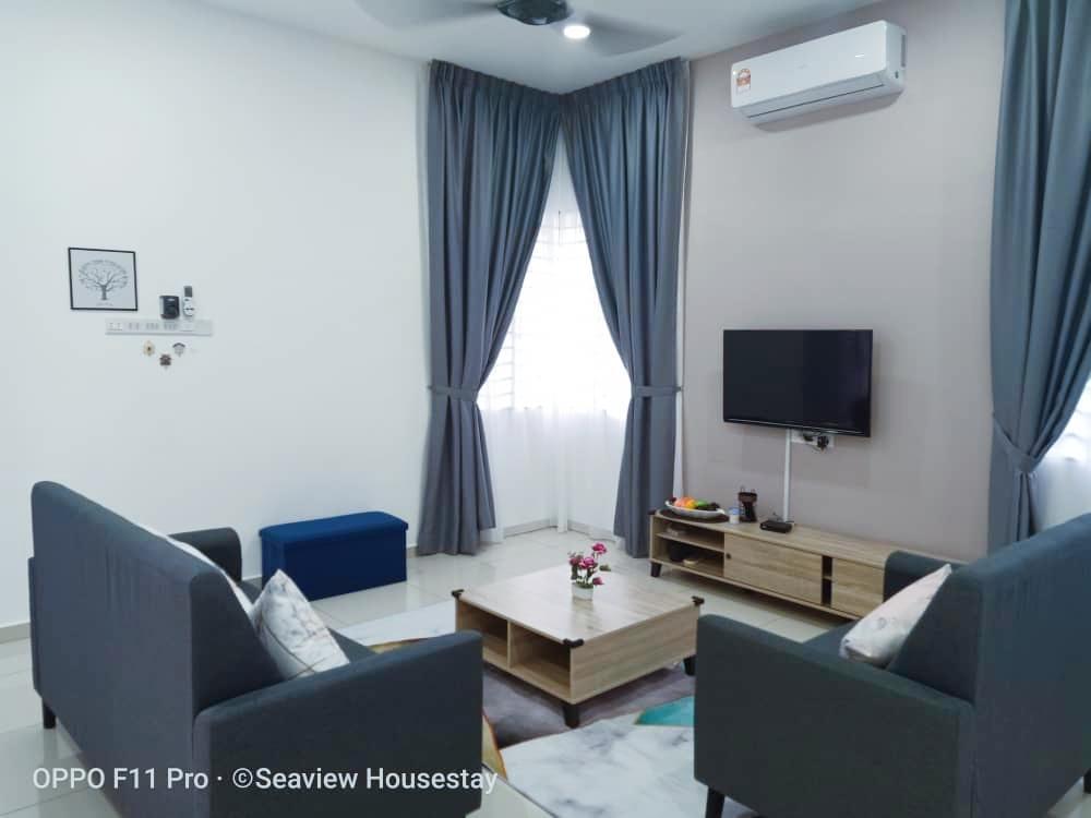 Semi D House 4R3B  15pax  Homestay   Corner  WiFi