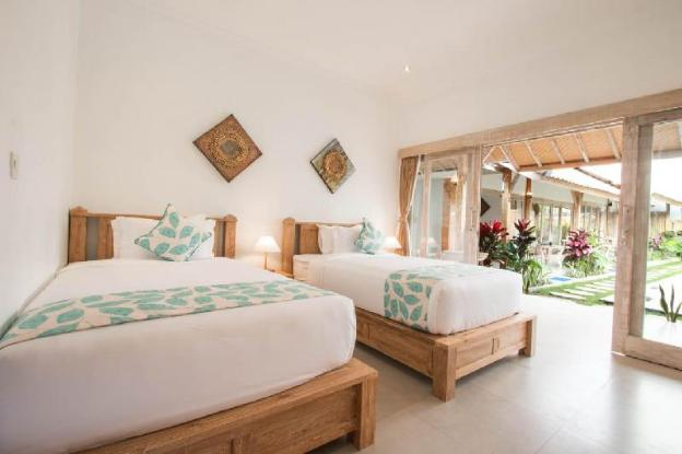 Peaceful Fancy Twin Bed Room with Pool in Canggu