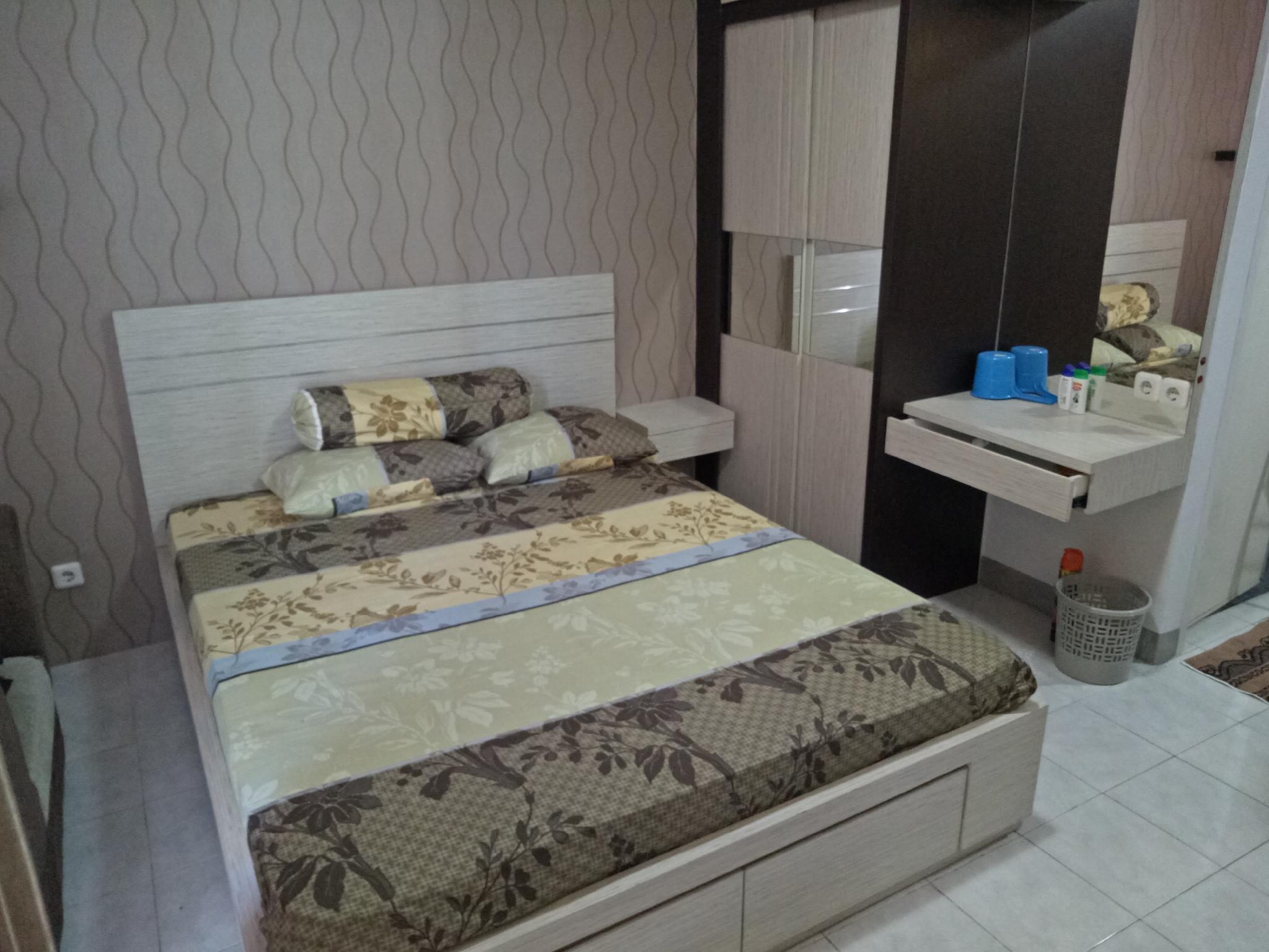 Beauty And Romantic Room Puri Mas Apartemen