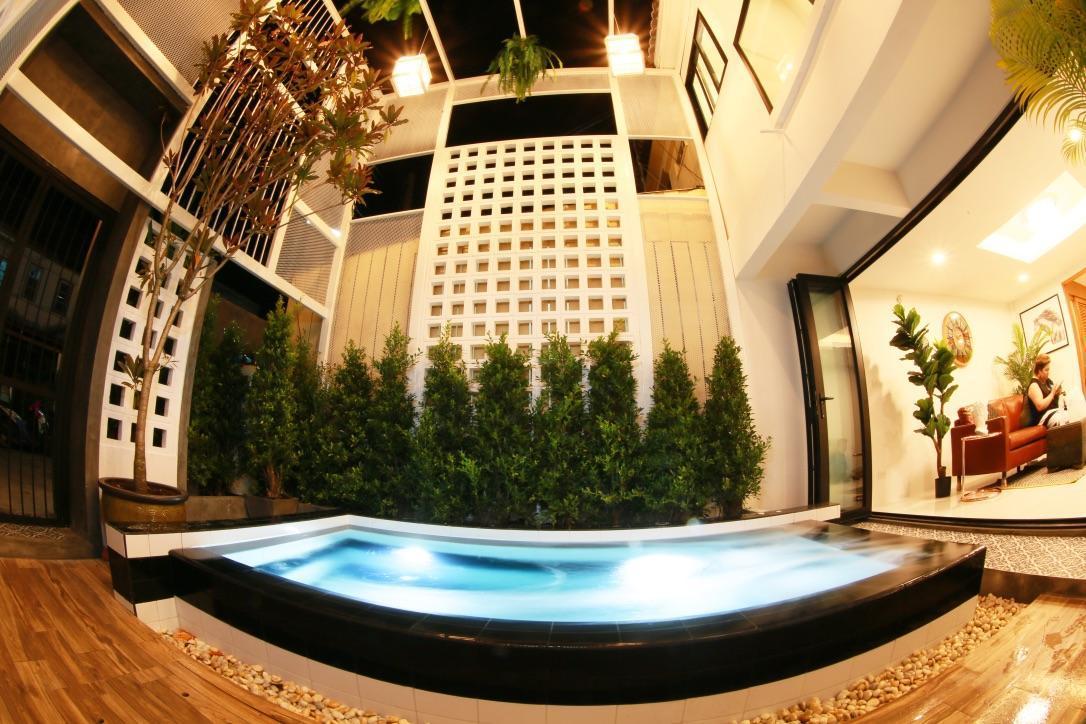 W1 Pool Villa Rawai Beach