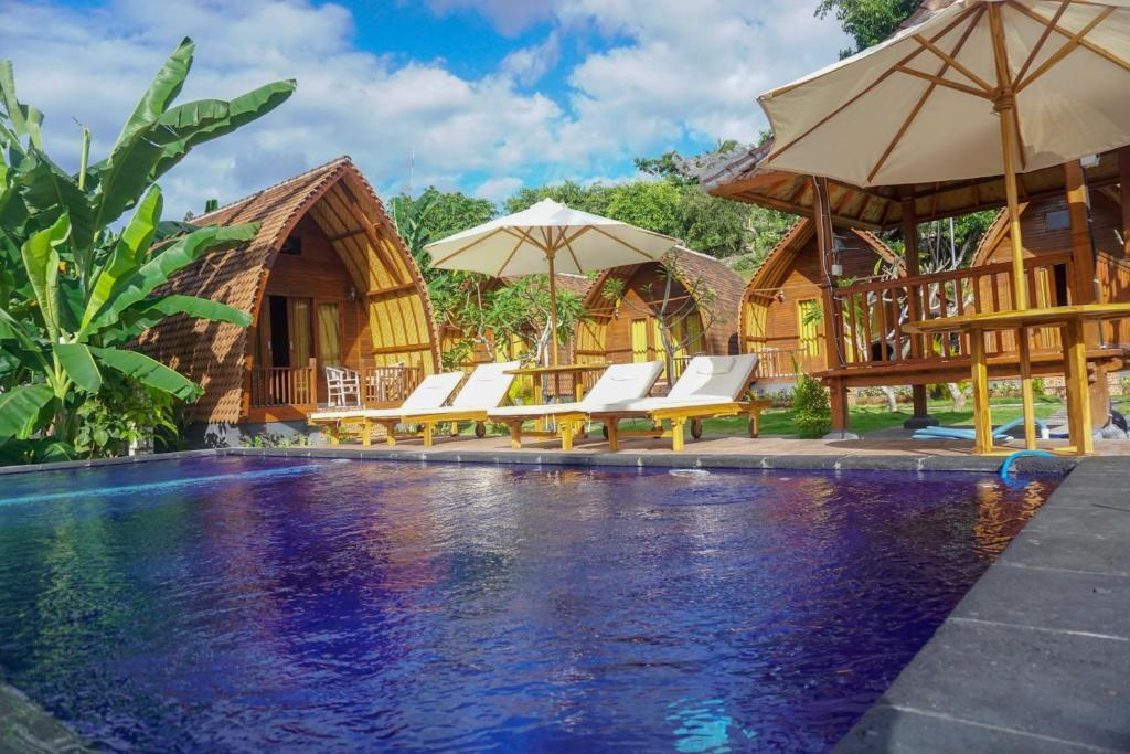 Cozy And Cheap Wooden House Pool Nusa Penida