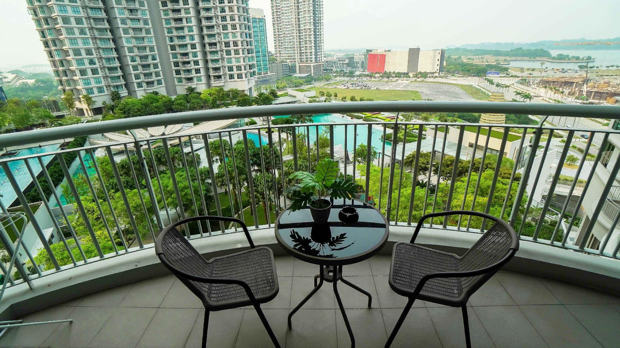 TROPICAL Condo With Dope View In Puteri Harbour