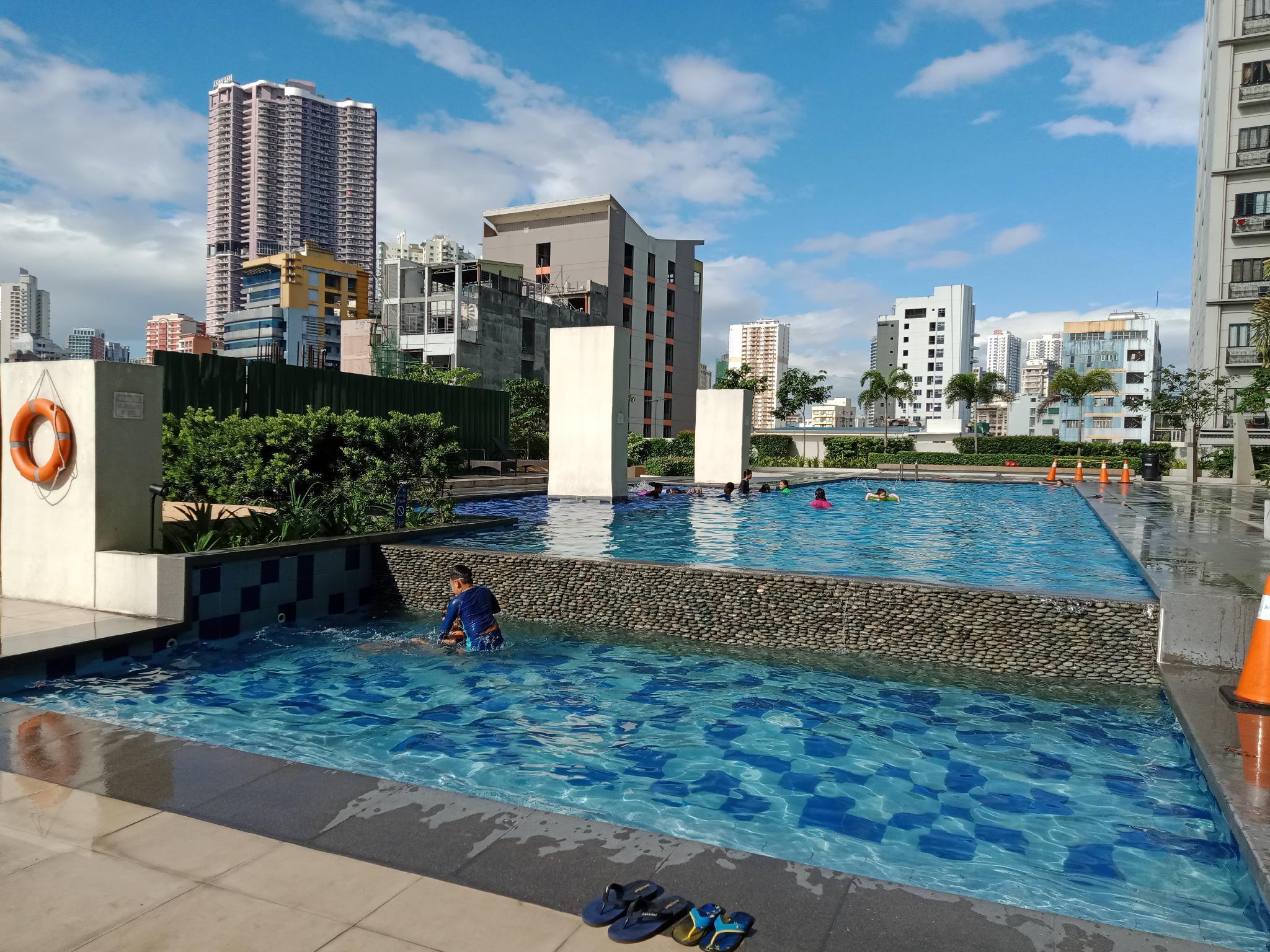 OYO Amaia Skies Avenida Staycation for Group